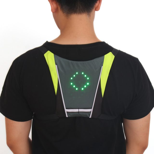 Bicycle Vest LED Signal Safety Light Outdoor Cycling Wireless Remote Control LED Bike Lights Vest For Hiking Riding Climbing
